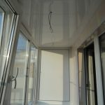Обшивка платисковыми панелями балкона