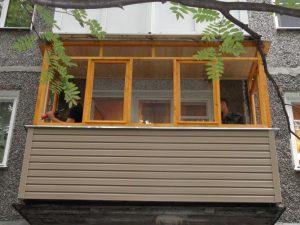 Окна из дерева на балкон