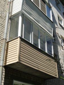 Балкон с раздвижными окнами