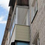 Балкон в кирпичном доме в Нижнем Новгороде
