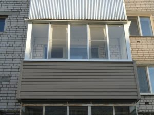 Остекление балкона алюминиевыми развижными системами